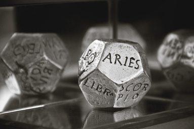 astrology-astronomy-blur-159670 (1)
